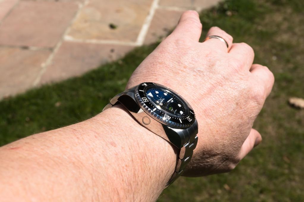 Présentation de la Rolex 116660 SDDS D-Blue James Cameron O0w1lt