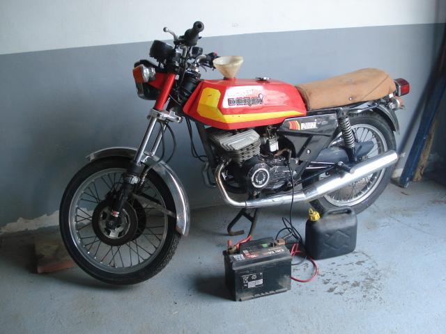 Me quiero comprar esta Derbi 2002 Vrpwub