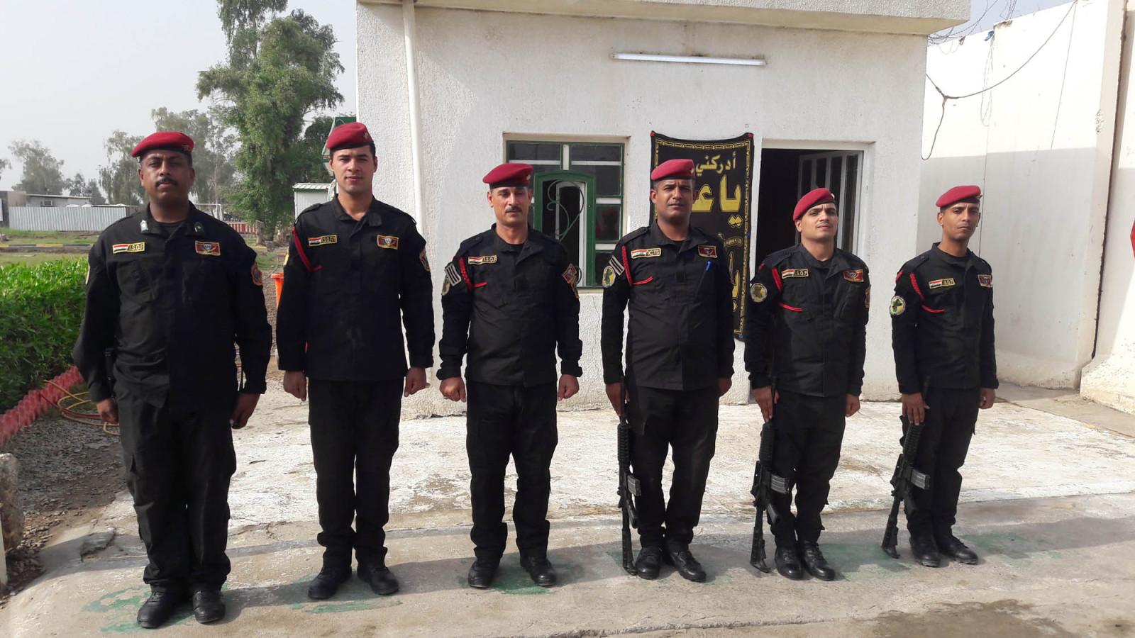 ISOF Black uniform Xpn59w
