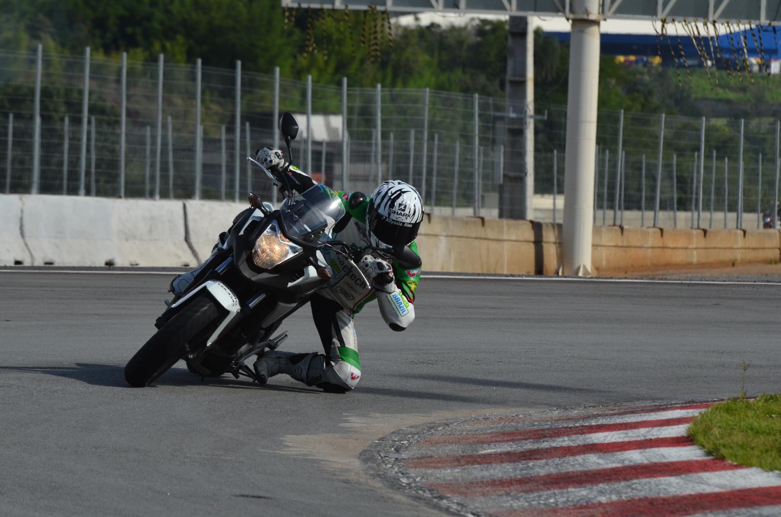 Opinião de um motovlogger sobre a CB 500X 11bkbxt