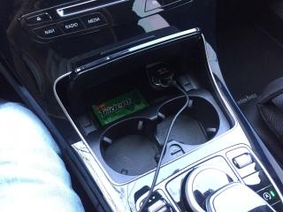 (W205): É possível instalar porta-copos no console? 1495yy9