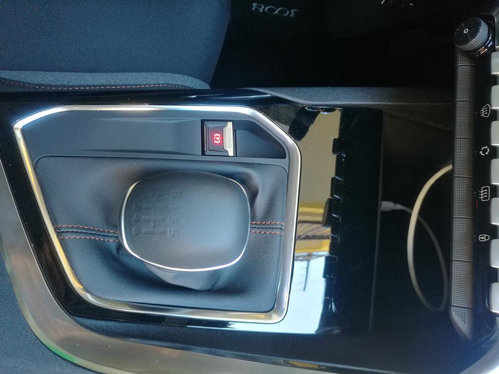 Plastiche interne Peugeot 3008 Appiccicose - Pagina 2 15x0ghd