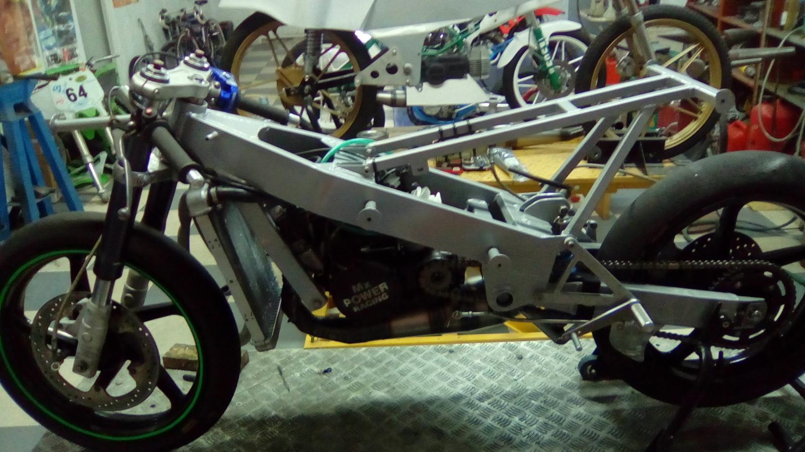 MH 003 JJ.COBAS Moto Hernan 1gm8ev