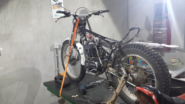 Restauración Montesa Cota 348 Trail 20r4g46