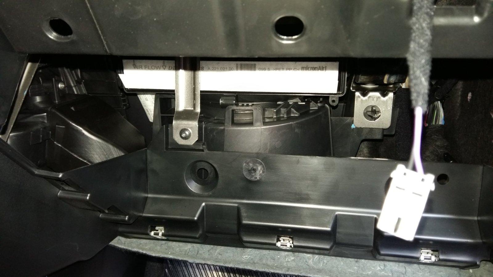 Troca do filtro do ar condicionado anti-pólen (cabine) 2191gfl