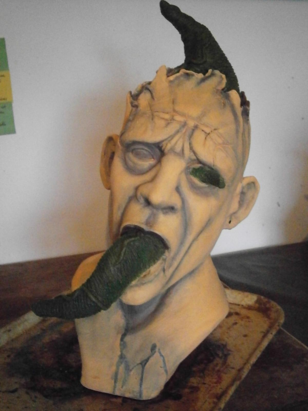 Nouveau buste en cours de réal : possession diabolique 219ao1f