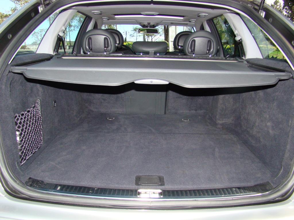 W203 C32 Touring AMG 2001 - R$ 79.000,00  2aihc9x