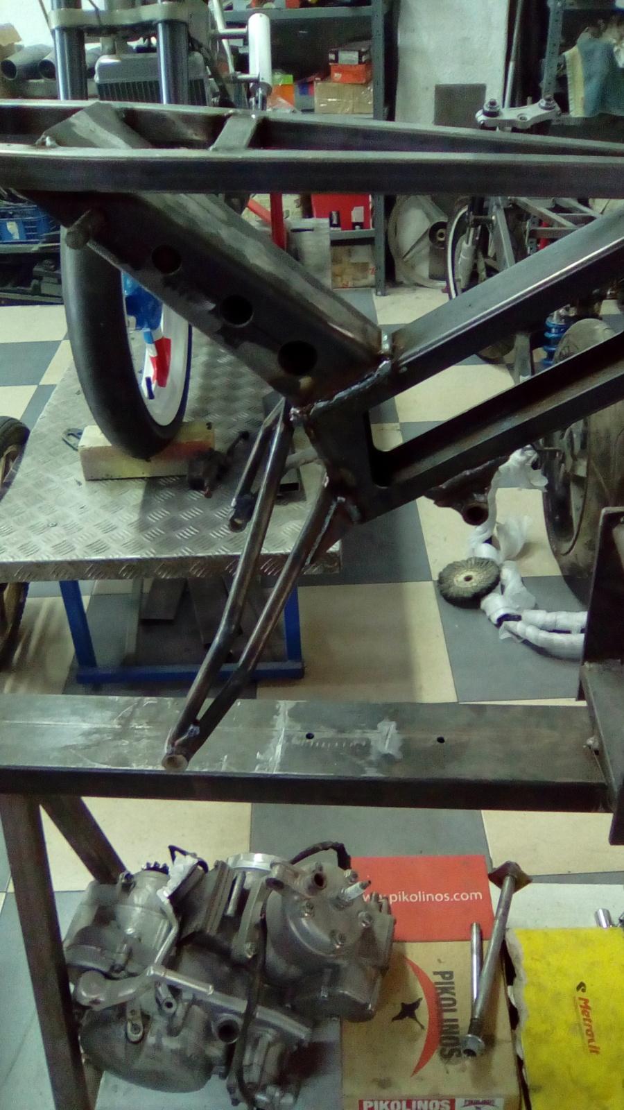 Proyecto Vespino de 65 cc. de Velocidad. - Página 4 2arayp