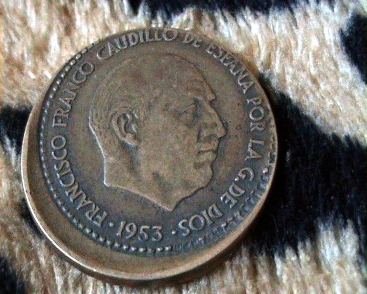 1 peseta Estado Español 1953 *56 acuñada fuera de la virola 2iiwsgi