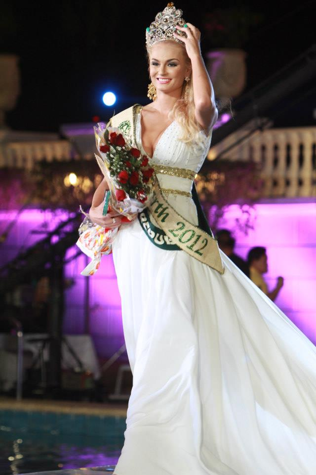 *****MISS EARTH IN HISTORY***** 2ivmmvq