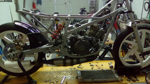 Proyecto Suzuki RG 125 de competición 2jcj0g6