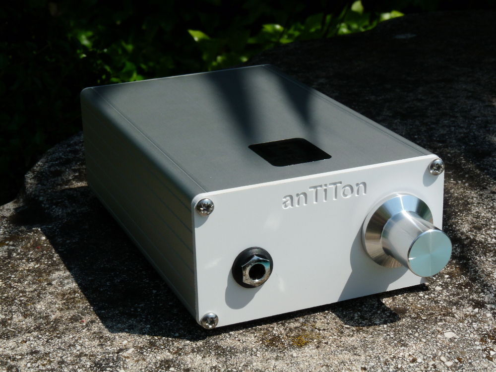 anTiTon enFase hybrid headphone amplifier  2ur0375
