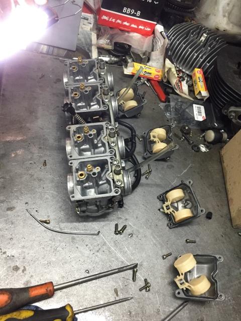 Honda CB750 o Kawa Zephyr 750 ¿Qué opinas?  2z8yryv