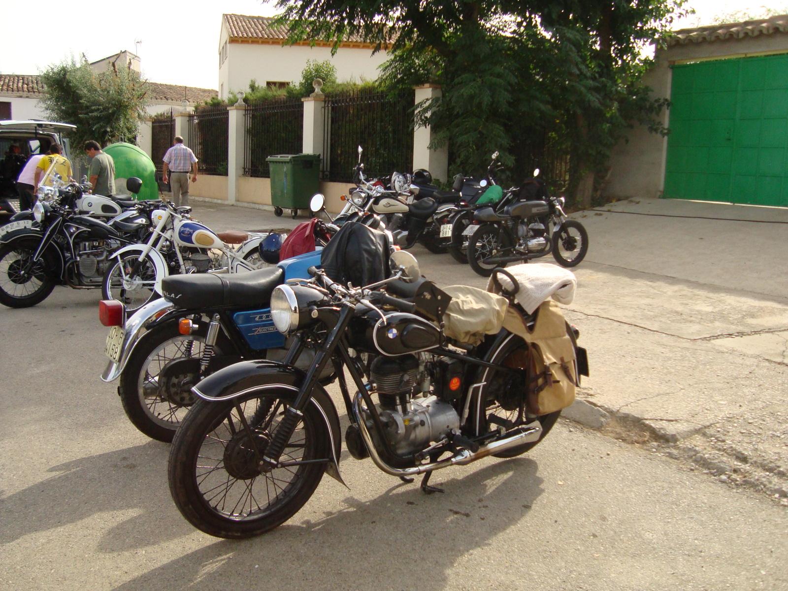 XI concentracion de motos antiguas en Alberuela de tubo (Huesca) 33ue4gn