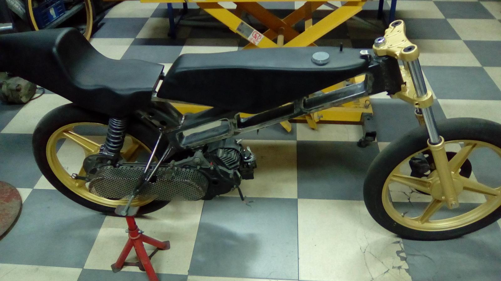 Proyecto Vespino de 65 cc. de Velocidad. - Página 4 359ei37