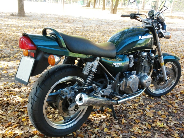 Honda CB750 o Kawa Zephyr 750 ¿Qué opinas?  4j47dj
