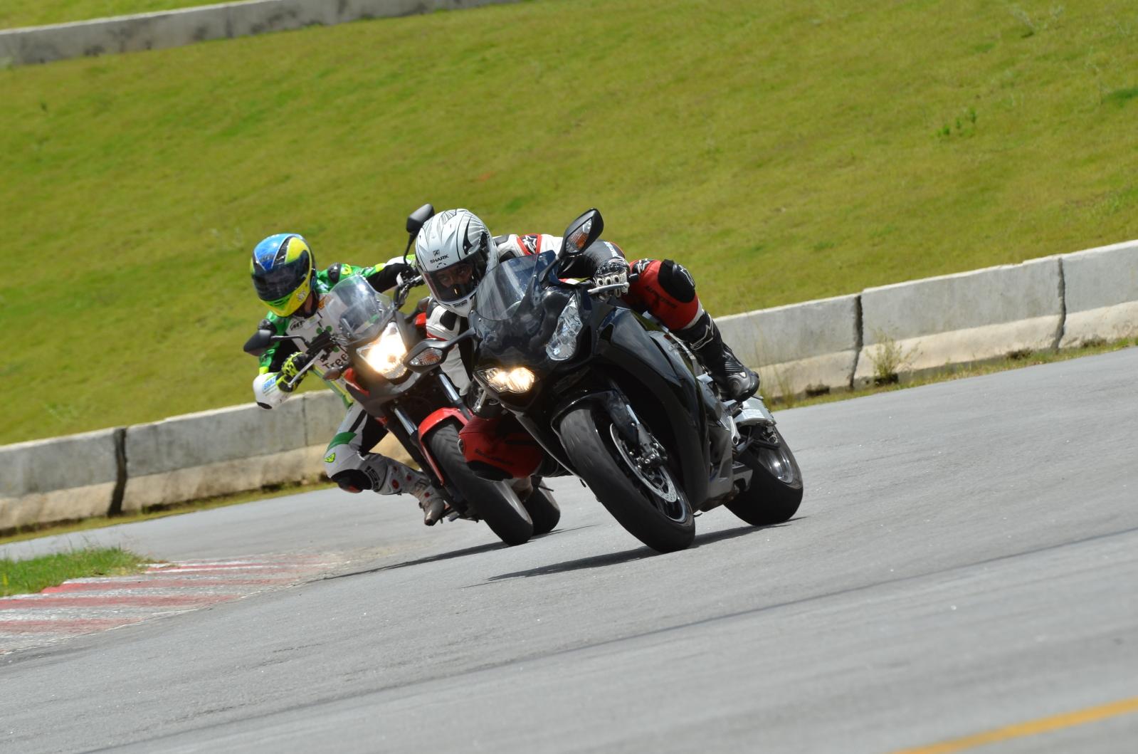 Opinião de um motovlogger sobre a CB 500X Dpu2ix