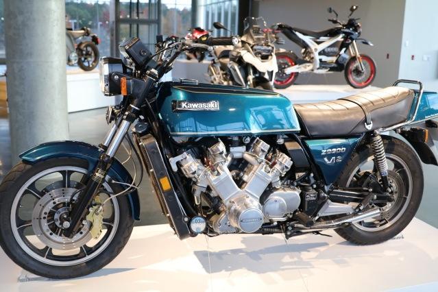 Kawasaki Z2300 12 V E9ck6r