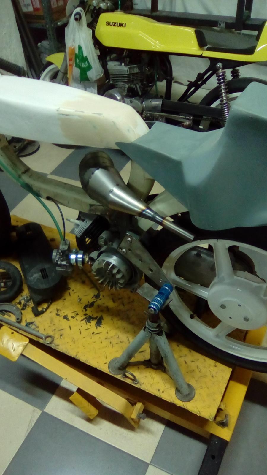 Proyecto Vespino de 65 cc. de Velocidad. Hx8yed