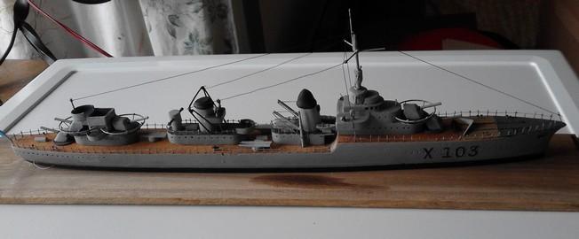 Contre torpilleur :LE TERRIBLE  au 300e Iwrywn