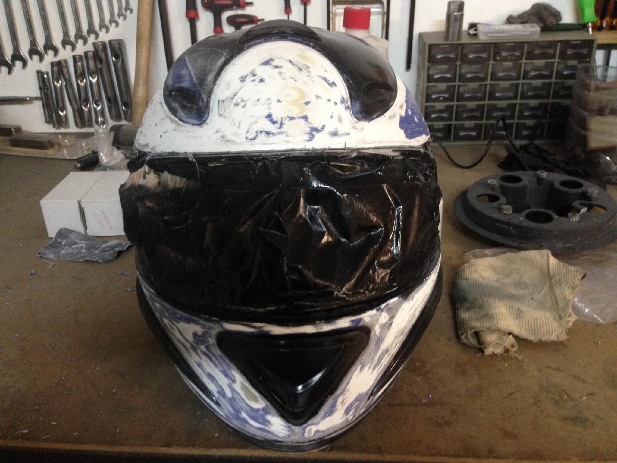Autocolantes na moto/capacete  J7z28i