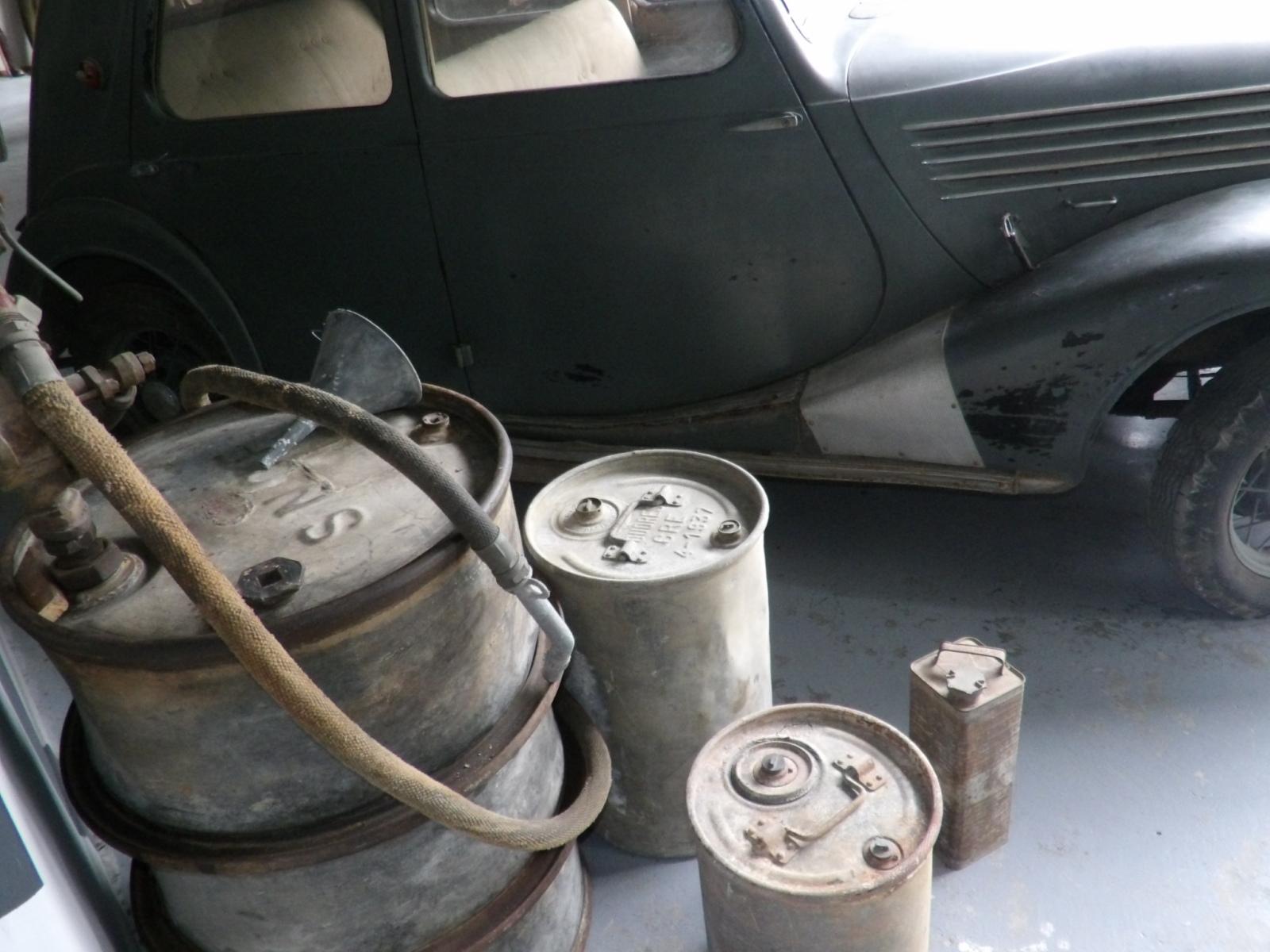 Les bidons d'huile&essence et accessoires pour auto/moto - Page 2 Jahq4z