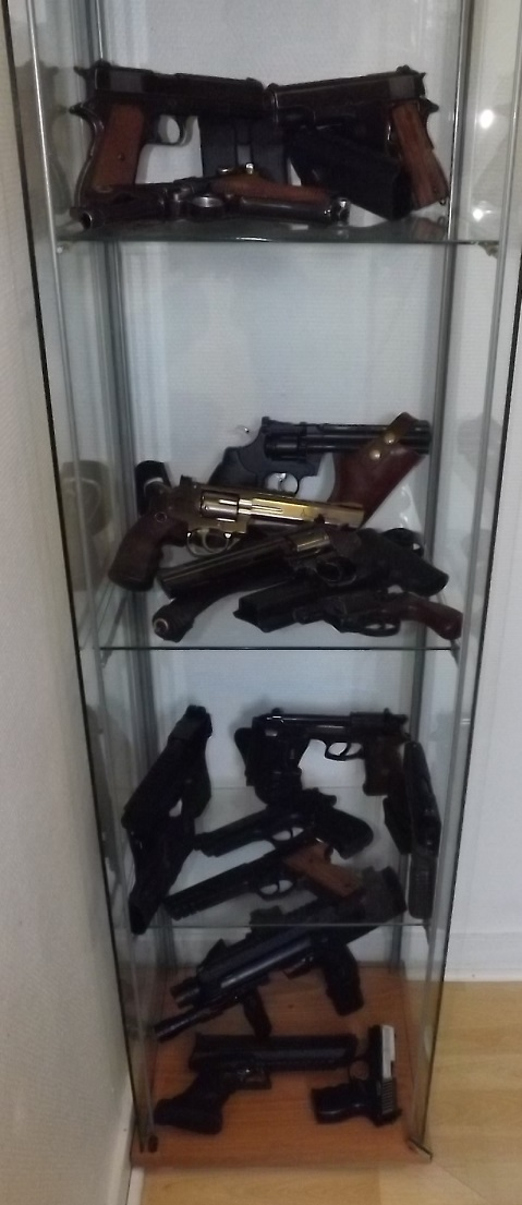 grouping de mes jouets, MAJ+ vitrine Mufymg
