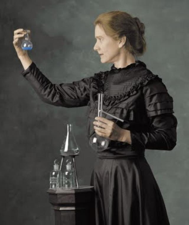 Marie Curie.. Npi0pw