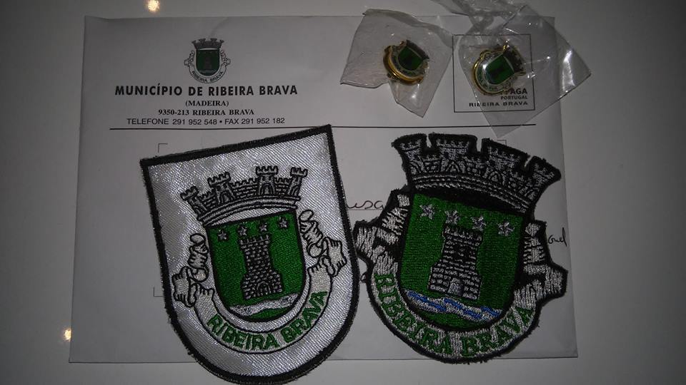 Amostras Município de Ribeira Brava - Pins e Emblemas Snowhy