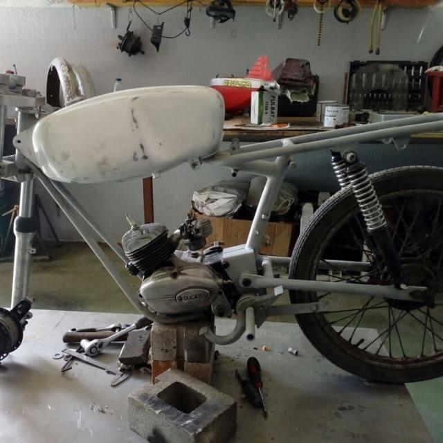 Las primeras Ducati 48 con cambio al pie 166huhf