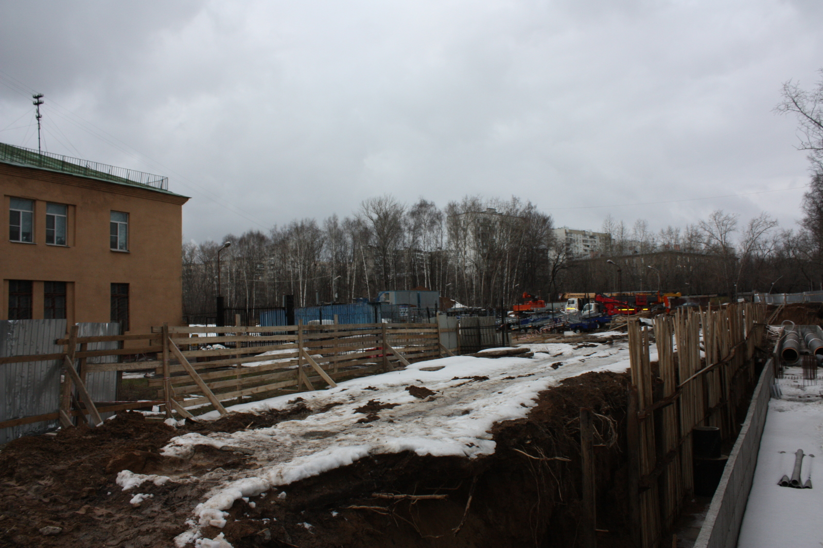 """Виват папарацци или удалось сделать фотки нынешнего состояния площадки будущего ЖК """"Летний сад"""" 1ylnx1"""