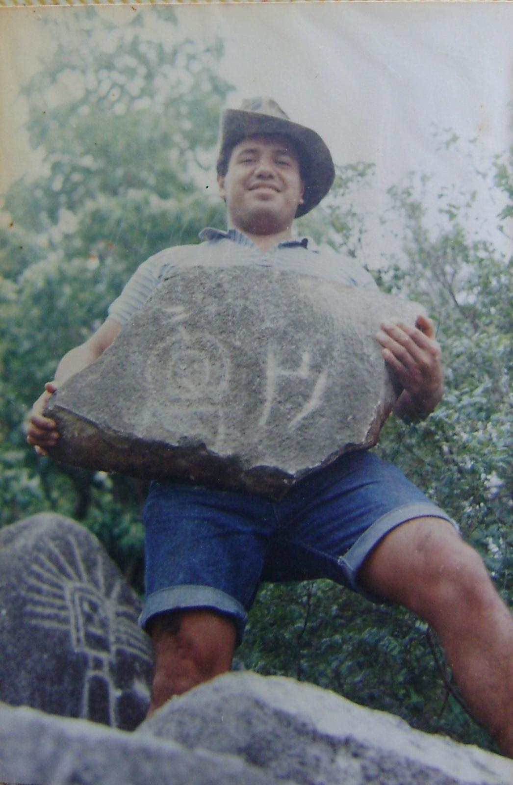 Un cerrito de Petróglifos Verdadero tesoro en Piedras 1zqa5tv