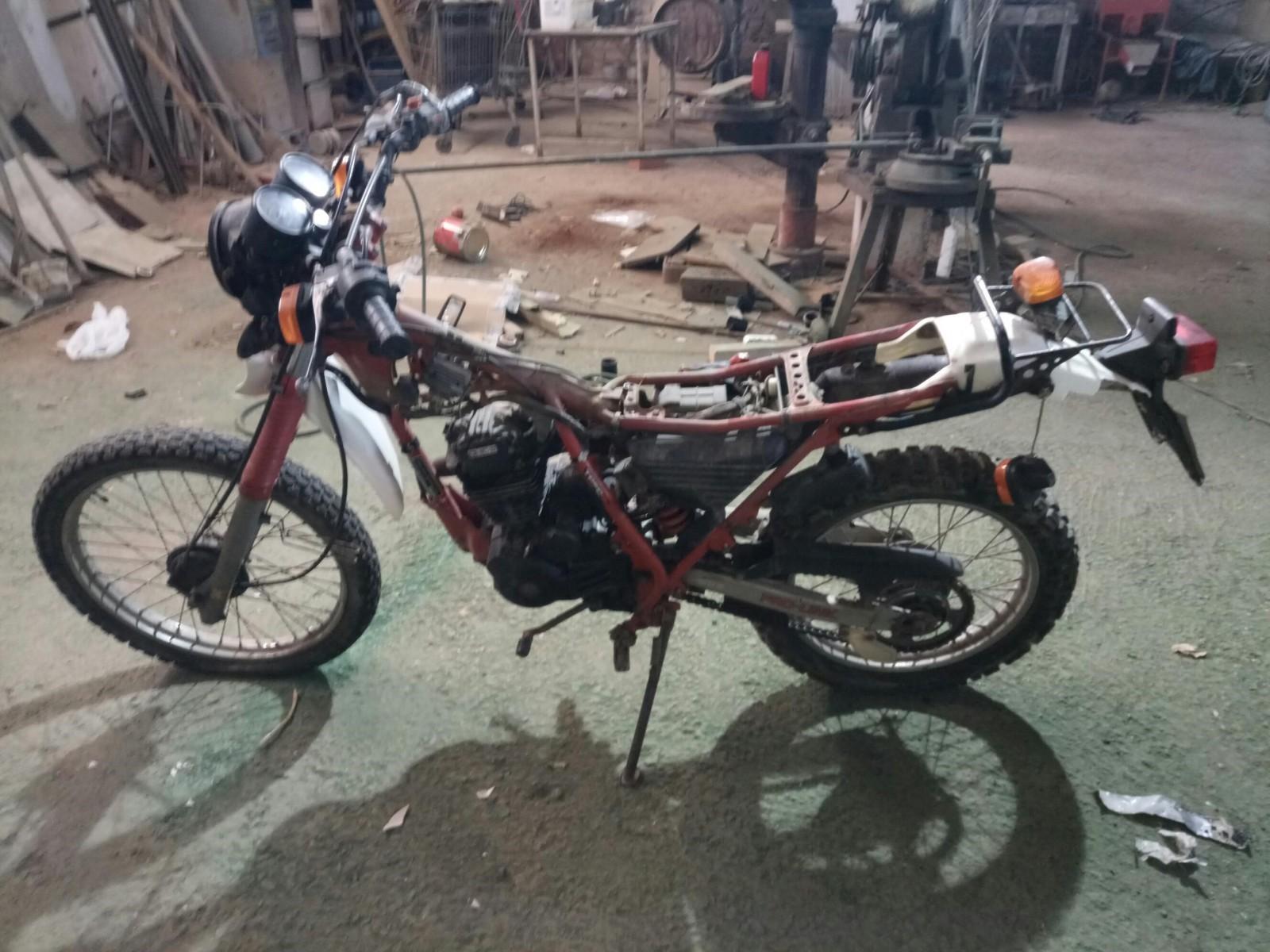 Mi Nueva Honda XL 200R 21mrsx3
