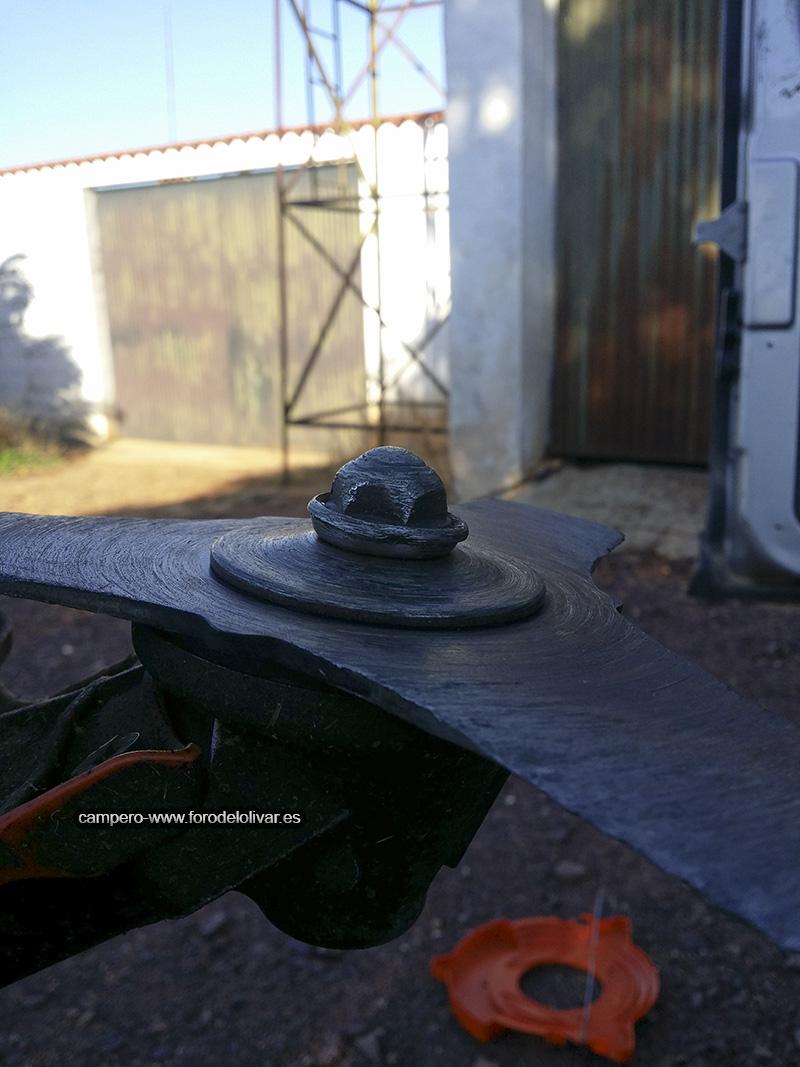 Protección tuerca de sujeción disco desbrozadora 28818b5