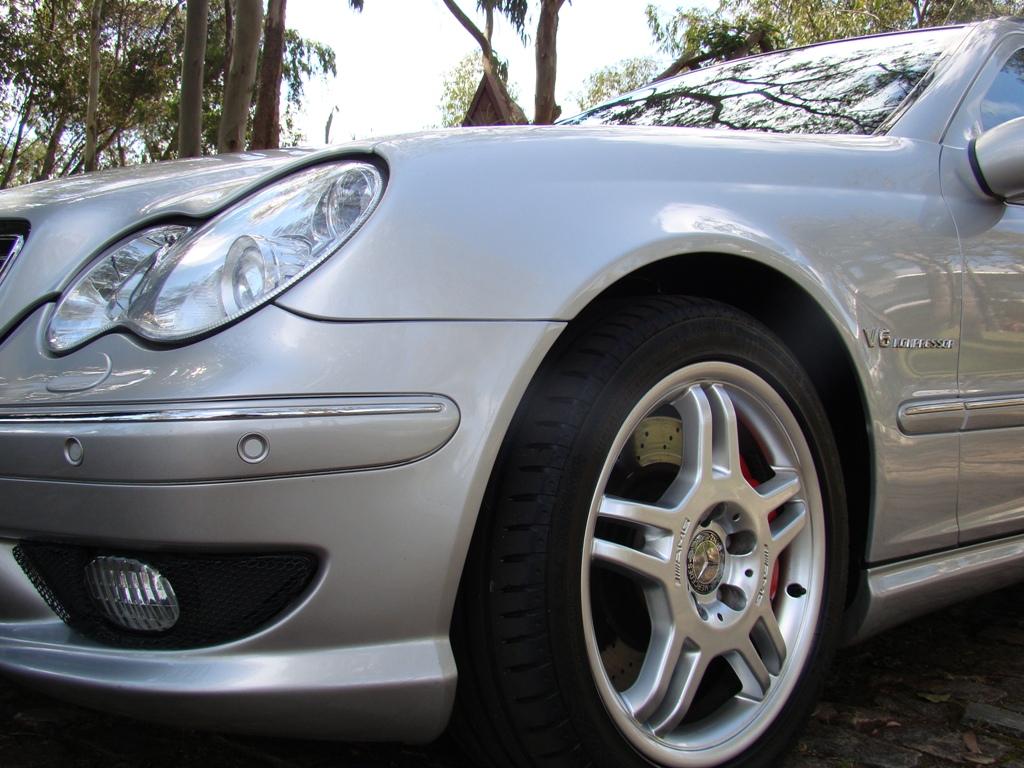 W203 C32 Touring AMG 2001 - R$ 79.000,00  29yf90z