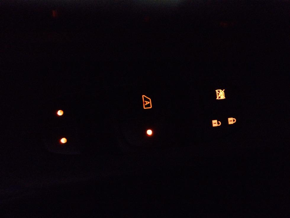Iluminação dos botoes dos vidros e travas da porta 2ladd09