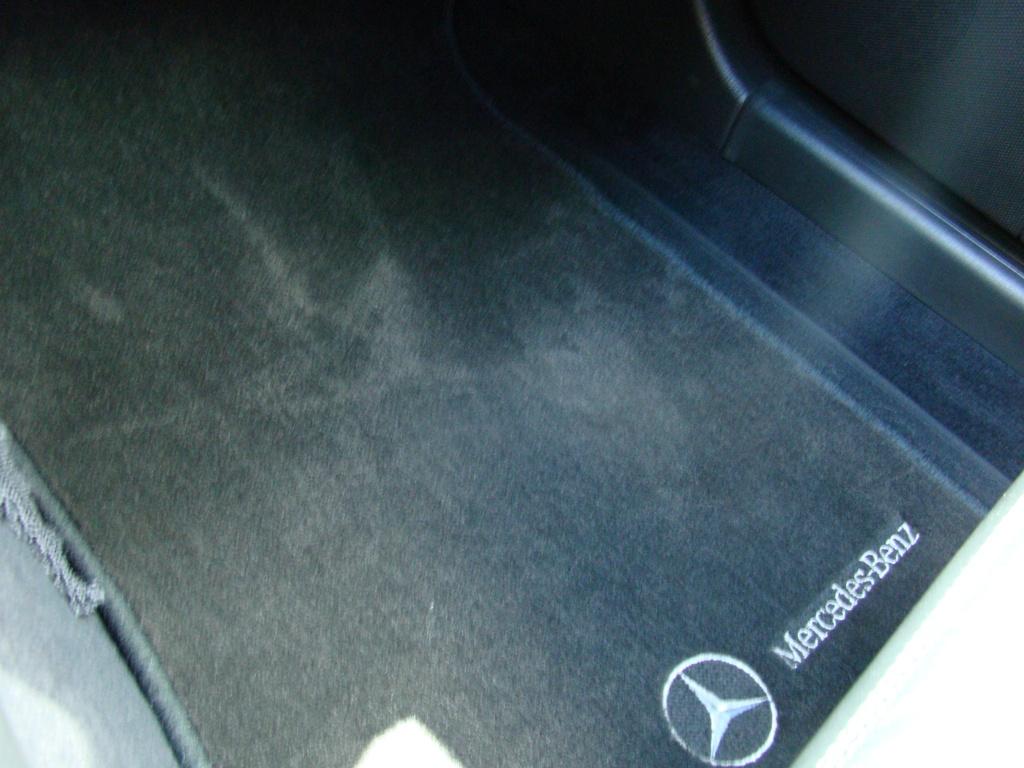 W203 C32 Touring AMG 2001 - R$ 79.000,00  2llodps