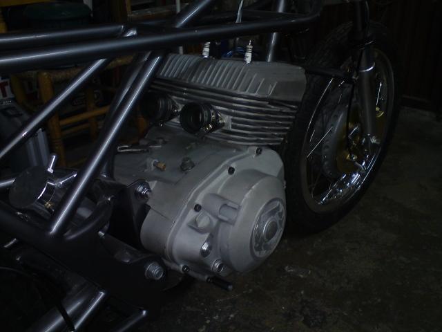 Réplica Derbi 250 GP Bicilindrica Nieto-Grau - Página 2 2mwc9qo