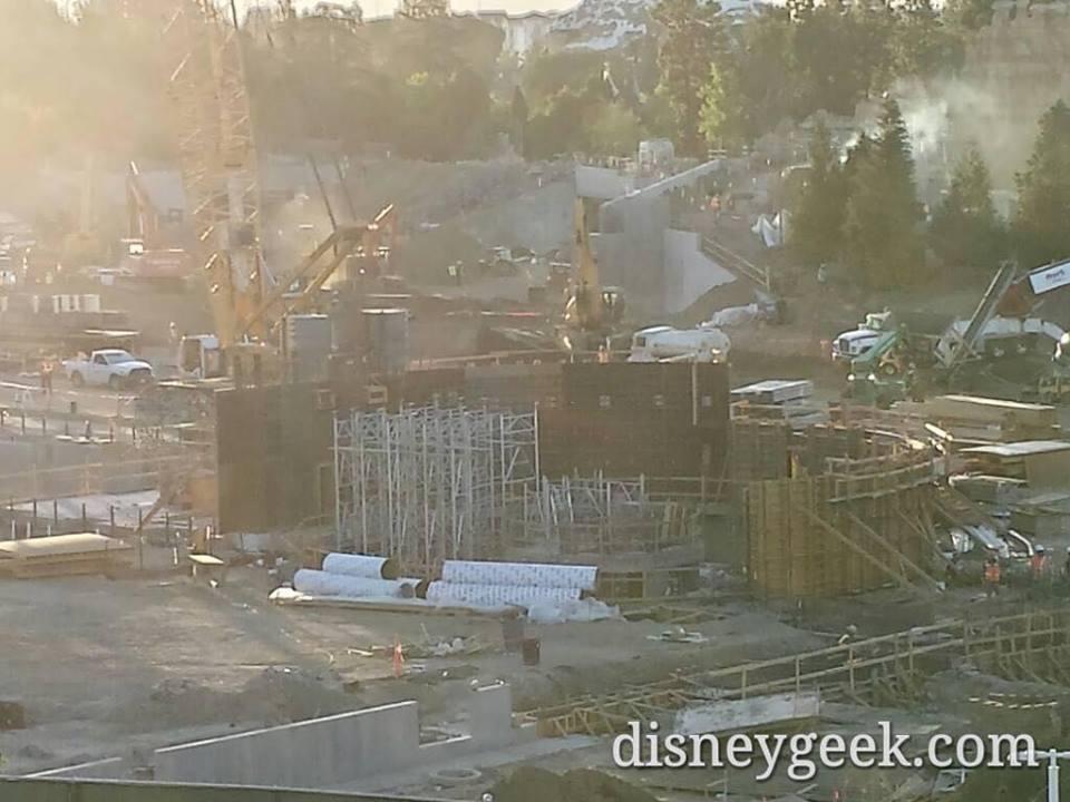 Star Wars land Disneyland Resort -new 2019- 2whjkwp