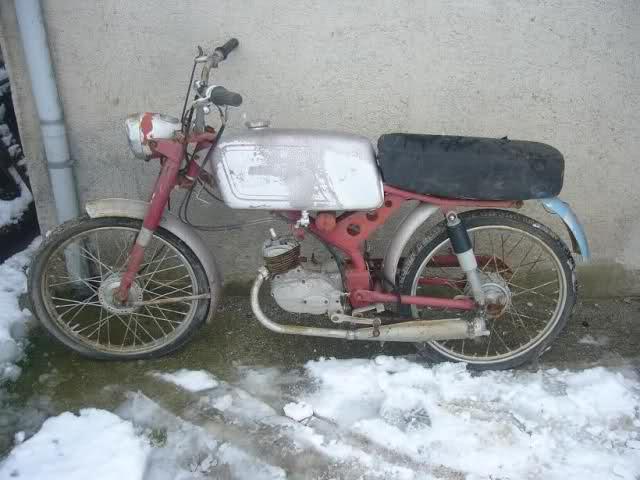 Ayuda identificar ciclomotor ¿Ducati? 2zsbazd