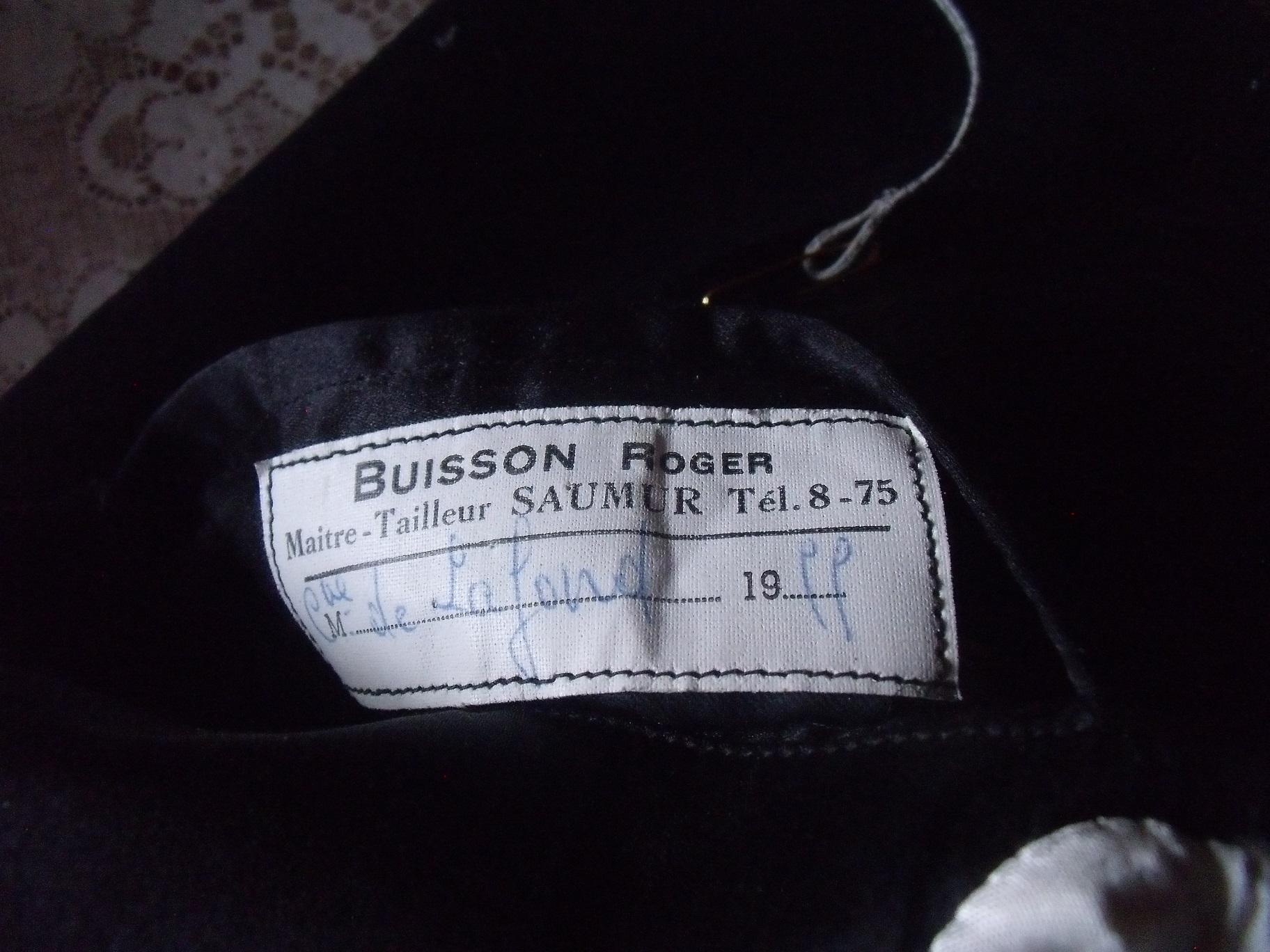 étiquette maitre tailleur BUISSON à SAUMUR ? 4gq39i