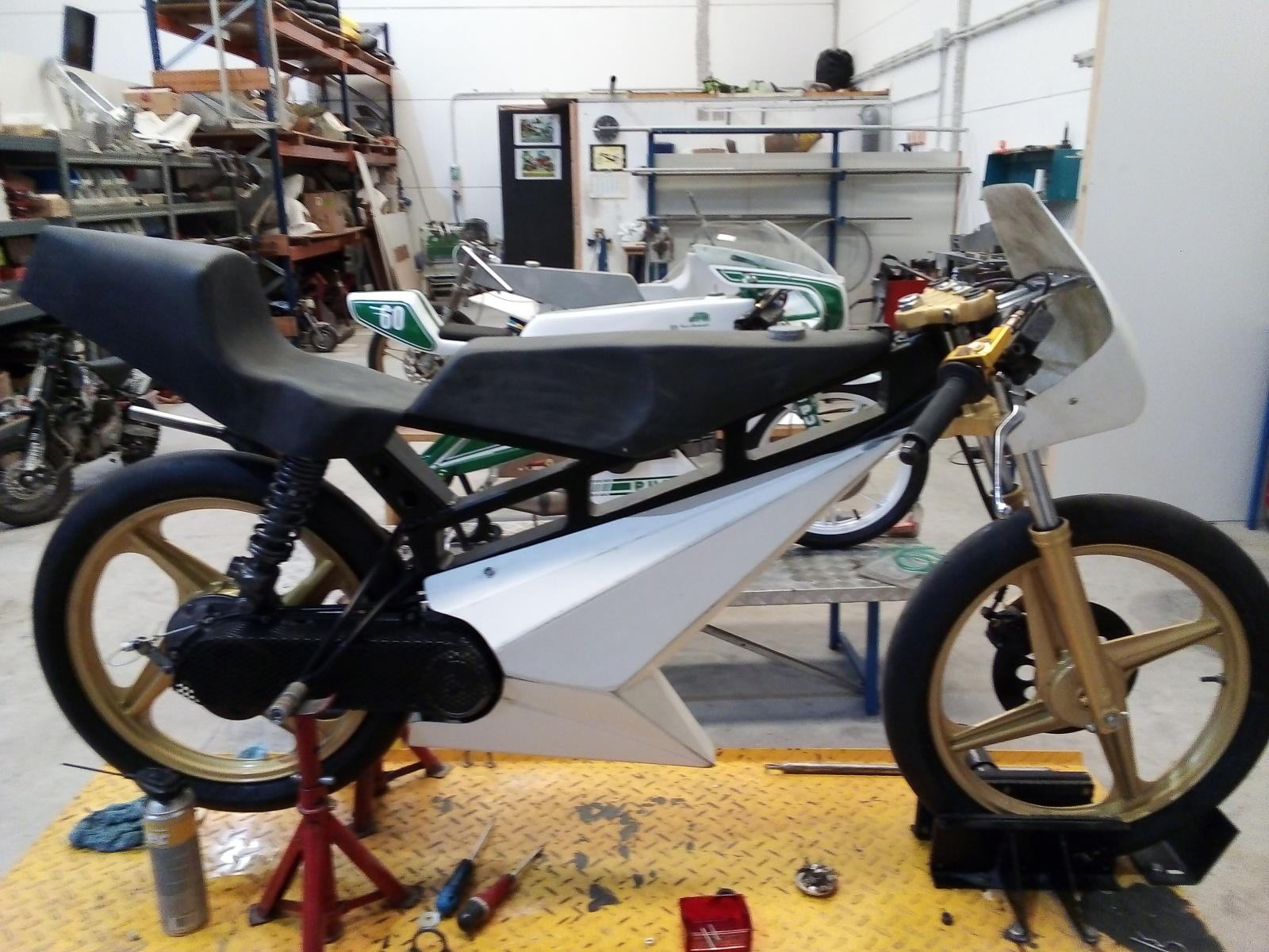 Proyecto Vespino de 65 cc. de Velocidad. - Página 4 68htnr