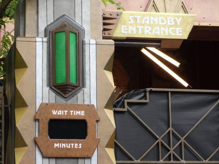 Novità, chiusure e rehab a Disneyland Resort A9tr9c