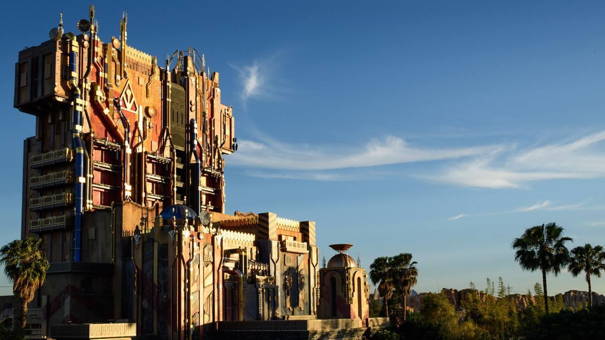Novità, chiusure e rehab a Disneyland Resort Nxow3o