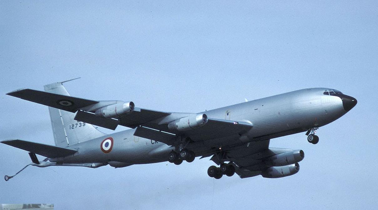 L'Armée de l'Air française renouvelle sa flotte d'avions ravitailleurs Ojk0fd