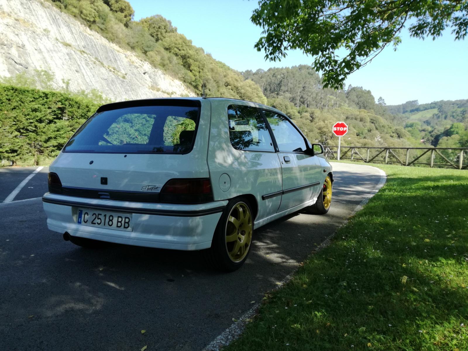 Presento el Renault Clio 16V P23ao