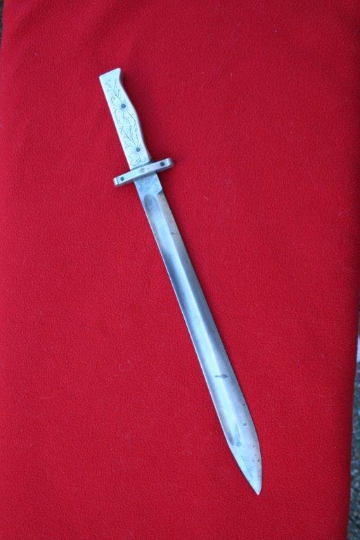 collection de lames de fabnatcyr (dague poignard couteau) - Page 4 Qs7hc4