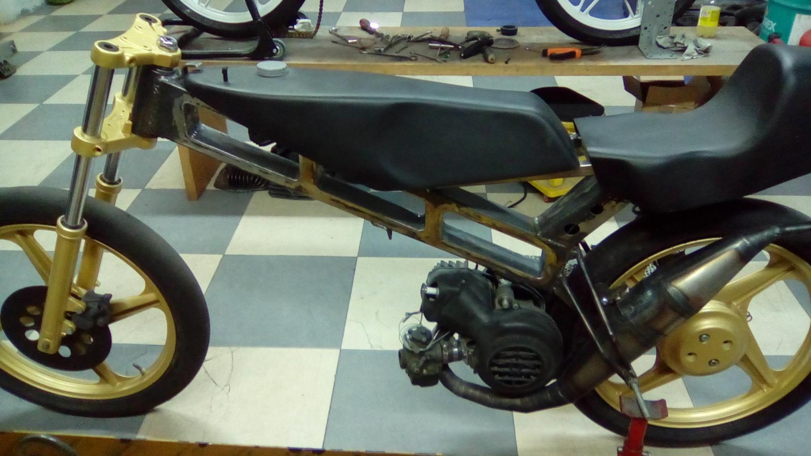 Proyecto Vespino de 65 cc. de Velocidad. - Página 4 Zxl3sk