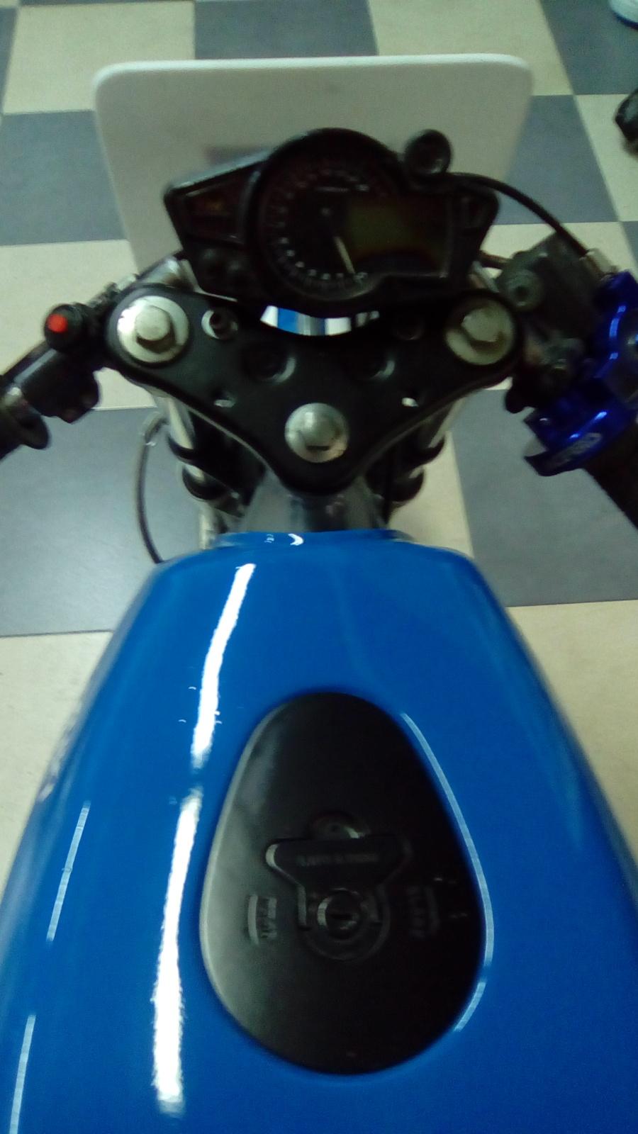 Proyecto Suzuki RG 125 de competición 15duhw6
