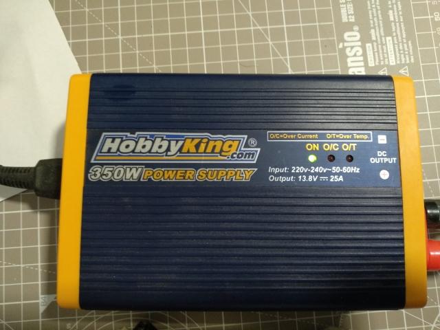 Vendo cargador rc+fuente de alimentación 15pif00